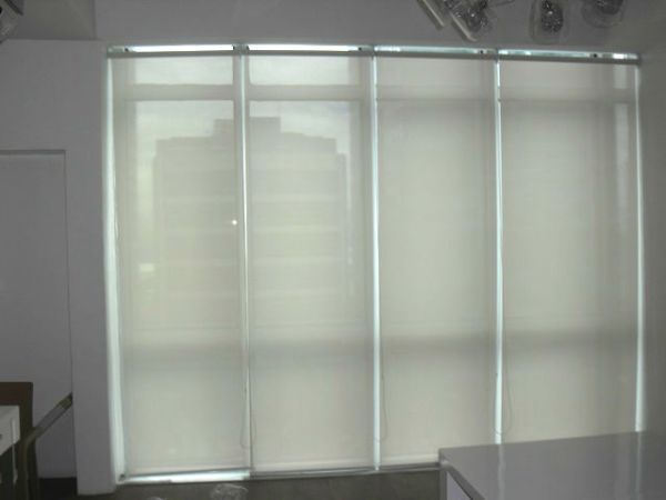 Sunscreen Roller Blinds for Less Maintenance