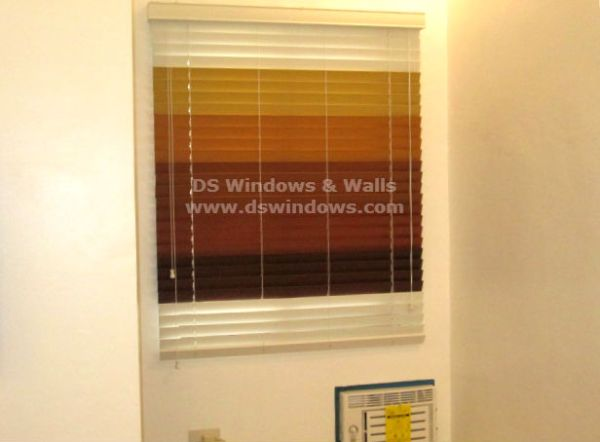Elegant and Stylish Look of Wood Blinds in Different Color Combination