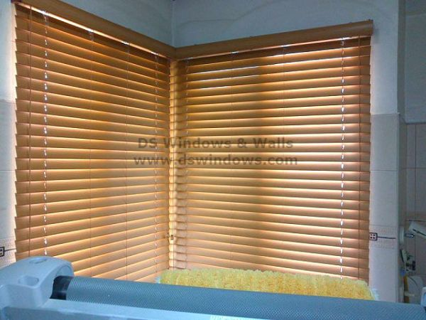 Faux Wood Blinds that Bring an Stylish Look in your Windows