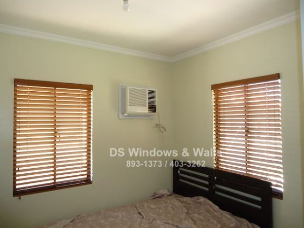Classic Wood Blinds For Your Bedroom