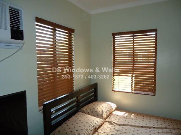 Wood blinds for bedroom